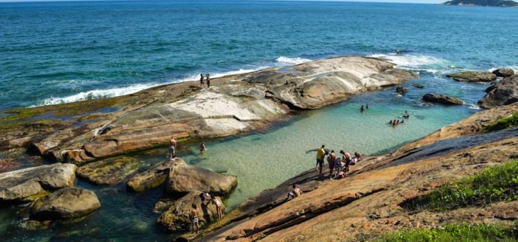 praia-do-secreto-rio-de-janeiro-recreio-trilha-costao-pedras-como-chegar-748x350