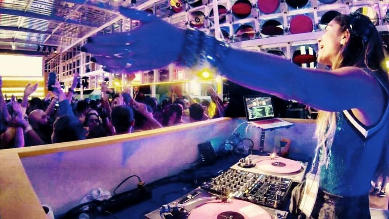 Dia Internacional do DJ – Shift 2 entrevista DJ FláviaXexéo
